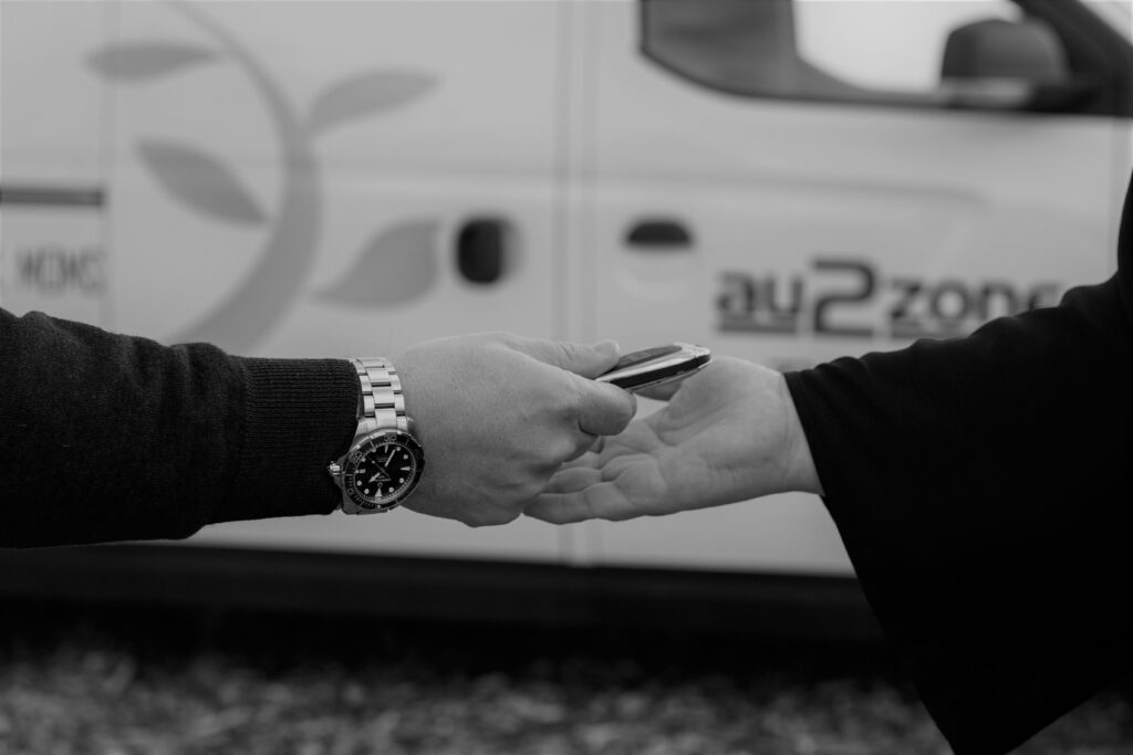 Au2Zone - nøgleoverdragelse - elbiler
